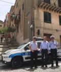 NUOVA AUTO PER LA POLIZIA MUNICIPALE
